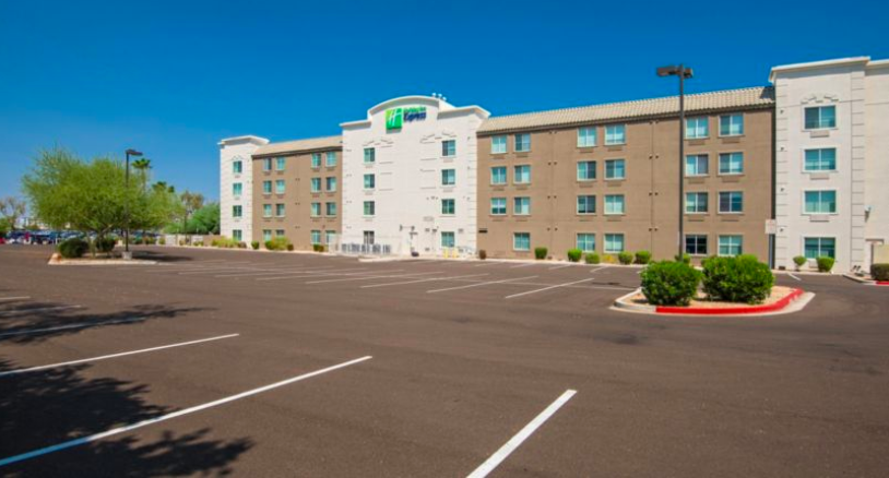 Holiday Inn Express Hotel & Suites Peoria North – Glendale