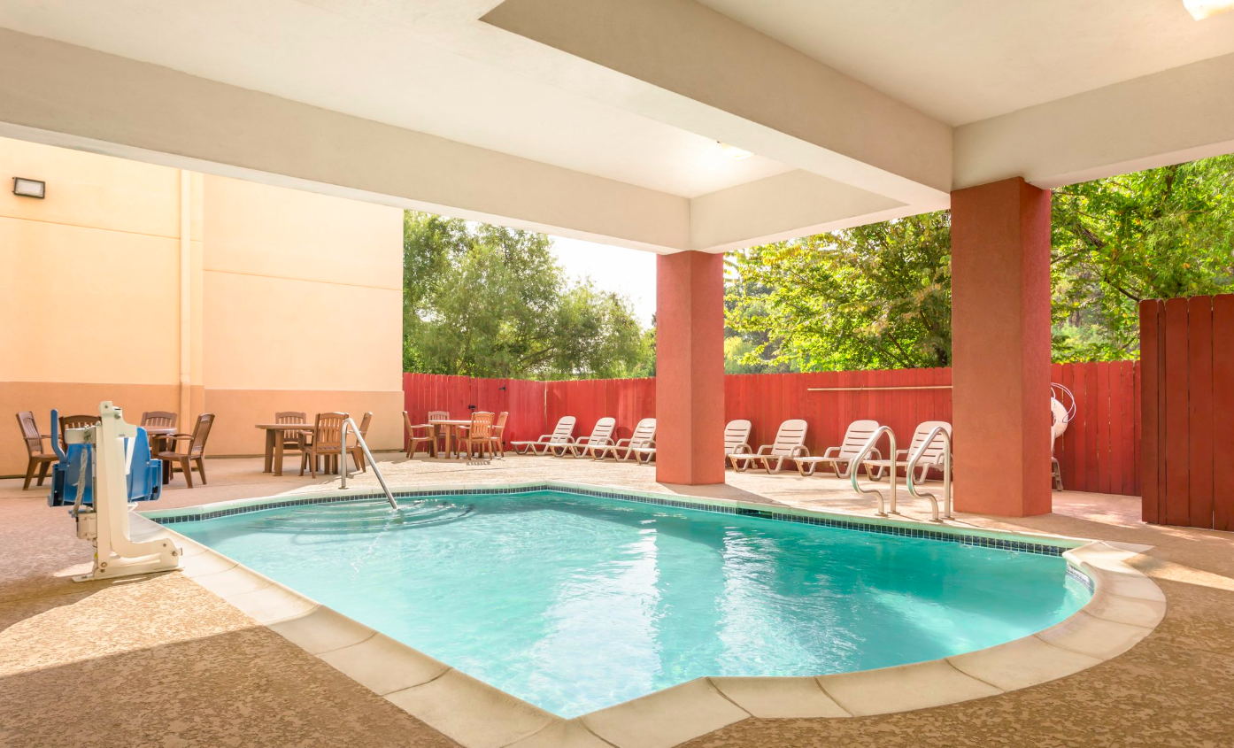 Country Inn & Suites By Carlson Houston Airport South – IAH