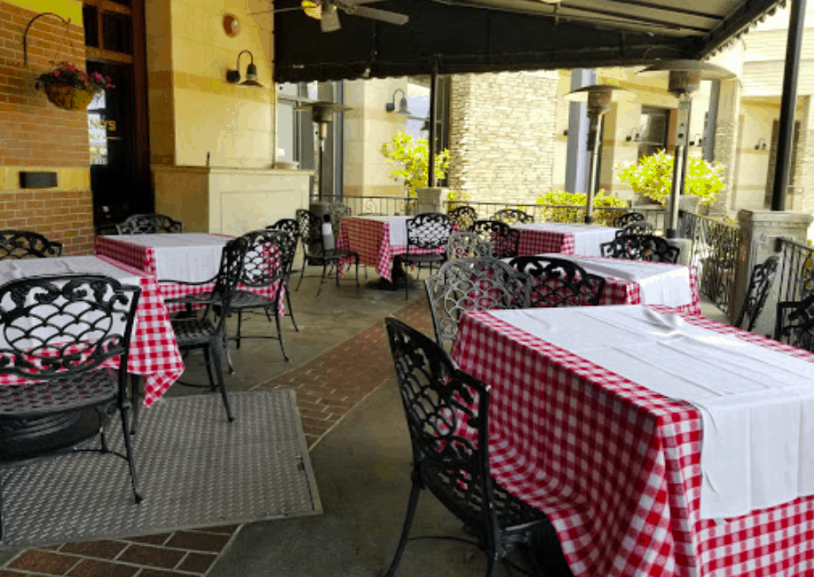 Maggiano's Little Italy – Woodland Hills
